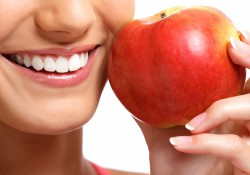 Металлокерамические коронки на зубы: плюсы и минусы
