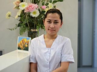 Курманова Дина – ассистент врача-стоматолога